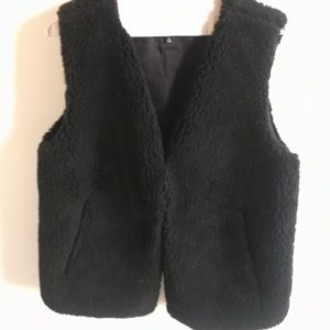 MWOT black Madewell shearling vest, size medium